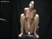 Muscular slut spreading and riding a toy