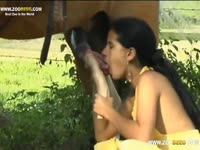 Amateur slut wife Brunette takes pleasure with a horse